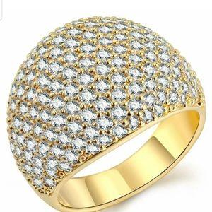 New Luxurious 18K Gold White diamond ring